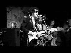 Bob Dylan: Maggie's Farm <3 A Silly Little Song, The Avenue of the Giants, a Convertible, and a Found Love <3
