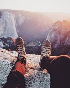 To travel is to live.  #sunset #travelgram #letsexplore #montain #traveldeeper #instatravel #shoes