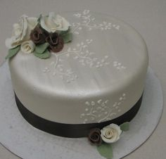 Single tier Wedding cake by Kim and Ashlee's Cakes & Cookies, via Flickr