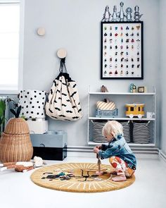 THE COOLEST BAG EVER, this simple and effective solution to storage toys! A toy storage bag that doubles as a play mat is every kids and parents dream. Childrens Room Decor, Playroom Decor, Kids Decor, Decor Room, Nursery Decor, Playroom Ideas, Home Decor, Ikea Molger, Kids Storage