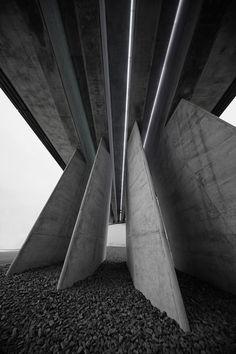 rulingthumb:  Zaha Hadid: BMW Central Building