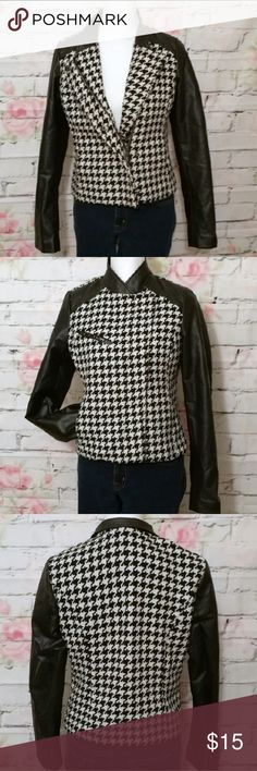 ♥️Houndstooth Jacket w Faux Leather Collar/Sleeves Houndstooth jacket with faux leather collar and sleeves.  - fall weather jacket - Side pockets, zipper and snap front.  - Faux breast pocket - Functional zippers on sleeves. - outer material is polyester/wool/acrylic blend a.n.a Jackets & Coats