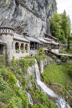 Panoramaweg Thunersee: 5 beautiful places between Thun and Interlaken - St. Beatus-Höhlen Beatenberg – stalactite caves in Switzerland - Places In Switzerland, Switzerland Interlaken, Wild Nature, Camping And Hiking, Travel Alone, Vacation Destinations, Alps, Wilderness, Countryside