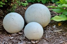 cement orbs i diy project i garden art i 5 easy steps i adirondackgirlatheart com - The world's most private search engine Moon Garden, Diy Garden, Garden Crafts, Lawn And Garden, Garden Projects, Garden Art, Mosaic Garden, Bush Garden, Cement Art