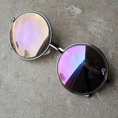 - wire circle frame - good UV protection - By quay australia ; Imported