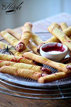 Dedos de Bruja - Terrorífica #receta de #Halloween o #Samhain para que sorprendamos a nuestros niños https://www.recetashuga.es/039jC