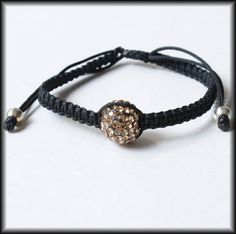 simple one bead square knot bracelet
