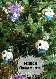DIY Minion Ornaments / Busy Mom's Helper