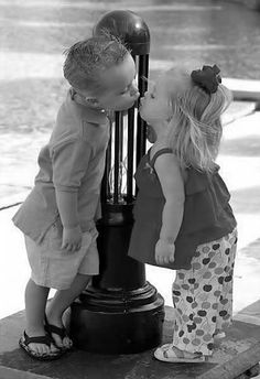 precious children reaching out with a Kiss So Cute Baby, Cool Baby, Baby Kind, Baby Love, Cute Kids, Cute Babies, Funny Kids, Precious Children, Beautiful Children