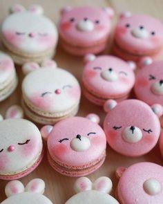 Rabbit & Bear macarons by Melly Eats World (M.) ( Rabbit & Bear macarons by Melly Eats World (M. Cute Desserts, Delicious Desserts, Dessert Recipes, Yummy Food, Macaron Fimo, Macaron Cookies, Kreative Desserts, Cute Baking, Kawaii Dessert