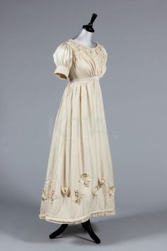 Dress 1820, Made of silk and satin