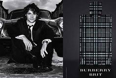 Burberry Brit for Men is een frisse, oriëntaalse houtachtige geur. Brit for Men vangt een ontspannen elegantie en moeiteloze stijl,wat model staat voor de moderne Britse man.Het werd in 2004 gemaakt door Antoine Maisondieu.