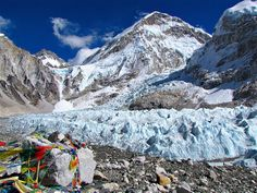 Imagem: Queda de gelo no Nepal (© Copyright Michael Mellinger/Flickr/Getty Images)Queda de gelo Khumbu, no Nepal
