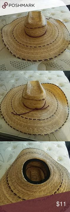 💕 Sale 💕 Wide Rim Hat 🌸 Great for saving you from the summer sun 🌸 has elastic inert for a snug fit 🌸 Accessories Hats