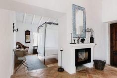 Monte da Palmeira Dark Wood Furniture, Luxury Furniture, White Wash Walls, Bamboo Ceiling, Oriental Hotel, Al Fresco Dining, Bedroom Decor, Fireplaces, Living Rooms