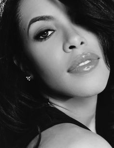 Aaliyah  Born: 16 January 1979 Died: 25 August 2001