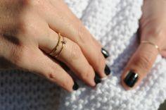 thin, simple rings.