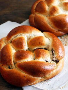 Chocolate Swirl, Chocolate Muffins, Kosher Recipes, Bread Recipes, Jewish Recipes, Challah, Sweet Bread, Christmas Desserts, Holiday Recipes