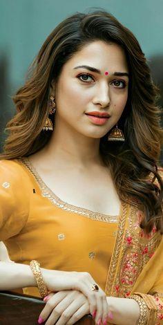 Beautiful Girl Photo, Beautiful Bride, Girl Pictures, Girl Photos, Hd Photos, Tamanna Hot Images, Bengali Bridal Makeup, Function Dresses, Cute Beauty