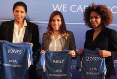 Laura Georges et Camille Abily, ambassadrices de l'UEFA (Photo F.F.F.©)