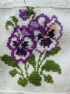 1 million+ Stunning Free Images to Use Anywhere Cross Stitch Cushion, Tiny Cross Stitch, Cross Stitch Bookmarks, Cross Stitch Borders, Cross Stitch Alphabet, Cross Stitch Flowers, Cross Stitch Designs, Cross Stitching, Cross Stitch Embroidery