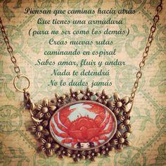 Collar, gargantilla, encapsulado a mano con resina, texto: cananmaga. ilustración: Sofía Castellanos #jewelry #handmade #illustrations #resineepoxi #resina  Fine more in www.facebook.com/cananmaga  Eatsy, instagram and Twitter like Cananmaga :)