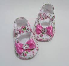 Resultado de imagen para fazer antiderrapante no sapato de bebe em tecido