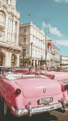 Ideas for vintage cars classic wallpaper Pink Wallpaper Iphone, Retro Wallpaper, Aesthetic Pastel Wallpaper, Aesthetic Wallpapers, Classic Wallpaper, Beach Wallpaper, Green Wallpaper, Wallpaper Wallpapers, Bedroom Wall Collage