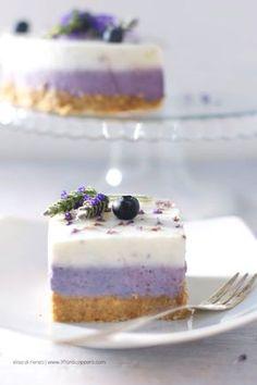 cheesecake ai mirtilli e lavanda