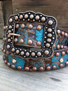 Sheridan Style Belt-The Cowgirl Junkie ~ LOVE the color...... I belts like this and it's making me have the urge to make a new belt