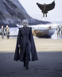 Daenerys with dragon #GoTS7 #gameofthrones #hbo