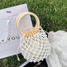 Macrame Bag, Popular Bags, Beaded Bags, Wooden Handles, Fashion Bags, Straw Bag, Shoulder Bag, Handmade, Bucket Bags