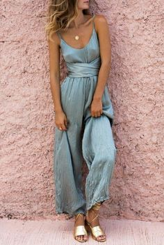friends - summer - playsuit - jumpsuit - silk - blue - gold - pink - wall - background - jewellery