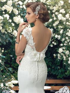 Charming Scoop Spitze Brautkleider 2016 Elfenbein SpitzeAppliques Nixehochzeitskleid Trompete Chiffon Außen Brautkleid