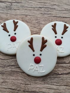 Awesome Christmas snacks tips are available on our web pages. Have a look and you wont be sorry you did. Cute Christmas Cookies, Christmas Biscuits, Christmas Snacks, Christmas Cupcakes, Christmas Cooking, Holiday Cookies, Holiday Treats, Iced Sugar Cookies, Cookie Decorating