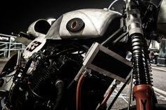 Yamaha XJ 33 Cafe Racer ~ Return of the Cafe Racers Yamaha Motorbikes, Yamaha Motorcycles, Harley Davidson Motorcycles, Custom Motorcycles, Custom Bikes, Yamaha Cafe Racer, Cafe Racers, Motorcycle Types, Motorcycle Outfit