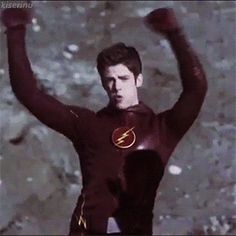 Grant Gustin ile hayal et - 17 Celebrity Moms, Celebrity Crush, Celebrity Photos, Le Flash, The Flashpoint, Flash Funny, Flash Barry Allen, Types Of Boyfriends, The Flash Grant Gustin