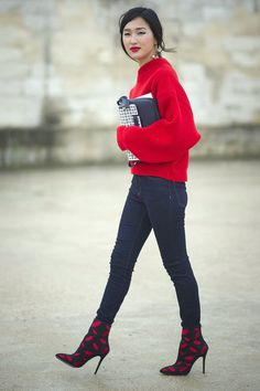 Street Style I outfit inspiration I spring look I wide sleeves I ribbed pullover I skinny jeans I trend I print booties I red lipstick @monstylepin