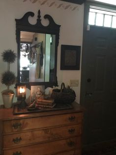 Primitive Living Room, Primitive Homes, Front Door Paint Colors, Painted Front Doors, Dresser In Living Room, Colonial, Foyers, Stencil, House