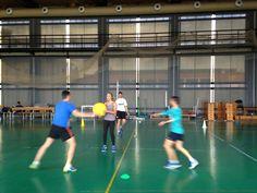 Fomento de la participación y mejora de la sociabilidad a través de los juegos modificados. Daniel Ruiz. Universidad de Valladolid. Thesis, Basketball Court, Sports, Games, Hs Sports, Sport