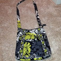 Vera Bradley Crossbody Brand new Vera Bradley crossbody purse! It is lime green, black, grey and white print! Never has been used, it just has the tags cut off! Vera Bradley Bags Crossbody Bags