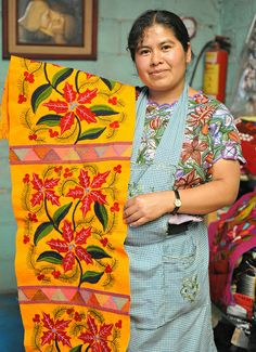 I would love to have this as a table runner - Maya Weaver Chiapas Mexico | Ilhuicamina, via Flickr