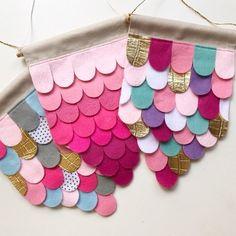 Easy DIY Felt Crafts, Felt Crafts Patterns and Felt For Crafts Canada. Felt Crafts Patterns, Felt Crafts Diy, Sewing Crafts, Sewing Projects, Arts And Crafts, Felt Banner, Hanging Banner, Felt Fabric, Felt Hearts