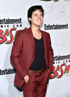 'Riverdale' Stars Check Out EW's Comic-Con 2017 Party!: Photo The Riverdale stars kept the party going at Entertainment Weekly's 2017 Comic-Con bash! Stars of the show KJ Apa, Cole Sprouse, Camila Mendes, Lili Reinhart,… Cole Sprouse Abs, Sprouse Bros, Cole Sprouse Funny, Dylan Sprouse, Lili Reinhart, Dylan O'brien, Dylan And Cole, Phil Lester, Cute Celebrities