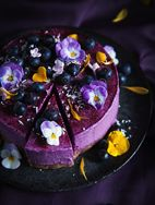 http://call-me-cupcake.blogspot.se/2015/03/no-bake-blueberry-lemon-vegan-cheesecake.html#.VkulZ3ut7Xl