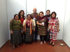 Las maravillosas manos Oaxaqueñas de las cocineras tradicionales y un par de colados de Querétaro y yo!