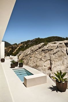 Like this small pool: Architect Luis Laplace, Ibiza, Spain Piscina Spa, Mini Piscina, Mini Pool, Mini Spa, Grey Interior Design, Design Interiors, Small Pools, Small Swimming Pools, Lap Pools