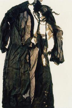 "Miyako Ishiuchi, ""Hiroshima (Dress)"" from Japanese Photography from Postwar to Now @ SFMOMA Japanese Photography, Art Photography, Fashion Photography, Inspiring Photography, Hiroshima Bombing, San Francisco Museums, Artwork Images, Gunma, Museum Of Modern Art"