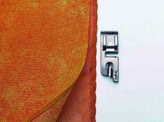 Prensatelas Dobladillador Este Prensatelas resulta muy útil a la hora de realizar un dobladillo pequeño y enrollado en telas finas. Nos proporcionará un acabado muy profesional y ahorraremos mucho tiempo.