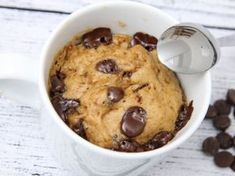 Mug cake - prăjitură la cană Quick Easy Meals, Breakfast Recipes, Biscuits, Oatmeal, Muffin, Food And Drink, Sweets, Mugs, Cooking